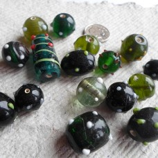 Indian Glass Beads ~ Assorted Green Pack
